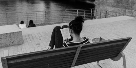 woman-reading_1